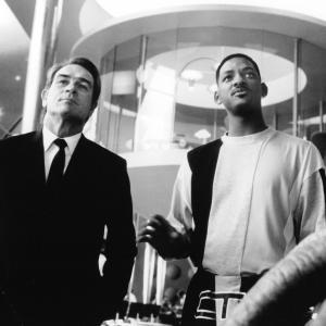 Still of Tommy Lee Jones and Will Smith in Vyrai juodais drabuziais 1997