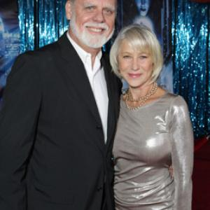 Taylor Hackford and Helen Mirren at event of Enchanted (2007)