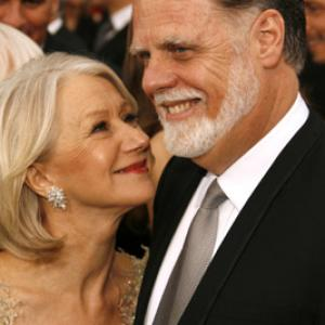 Taylor Hackford and Helen Mirren at event of The 79th Annual Academy Awards (2007)