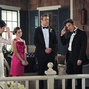 Still of Neil Patrick Harris, Alyson Hannigan, Jason Segel, Josh Radnor and Cobie Smulders in Kaip as susipazinau su jusu mama (2005)