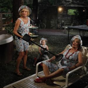 Still of Martha Plimpton and Cloris Leachman in Mazyle Houp (2010)