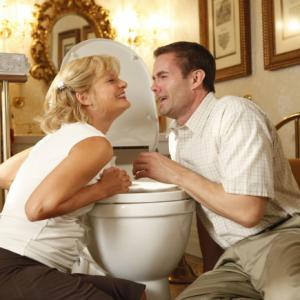 Still of Martha Plimpton and Garret Dillahunt in Mazyle Houp (2010)
