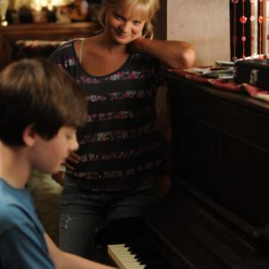 Still of Martha Plimpton, Ray Mickshaw, Jimmy Guest and Greyson Chance in Mazyle Houp (2010)