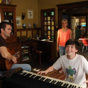 Still of Martha Plimpton, Garret Dillahunt, Ray Mickshaw, Jimmy Guest and Greyson Chance in Mazyle Houp (2010)