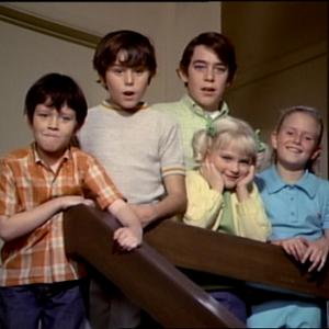 Still of Eve Plumb, Susan Olsen, Christopher Knight, Mike Lookinland and Barry Williams in The Brady Bunch (1969)