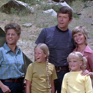 Eve Plumb, Florence Henderson, Susan Olsen, Robert Reed, Ann B. Davis, Mike Brady and Carol Brady at event of The Brady Bunch (1969)