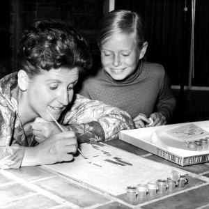 Eve Plumb and Ann B. Davis at event of The Brady Bunch (1969)