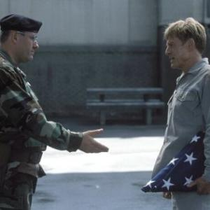 Still of Robert Redford and James Gandolfini in The Last Castle (2001)