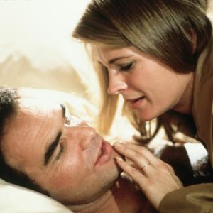 Still of Candice Bergen and Burt Reynolds in Starting Over (1979)