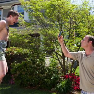 Still of Liev Schreiber and Jeremy Allen White in Kietasikniai 2013