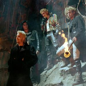 Still of Kiefer Sutherland, Brooke McCarter, Alex Winter and Billy Wirth in The Lost Boys (1987)