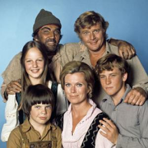 Swiss Family Robinson Helen Hunt Cameron Mitchell Martin Milner Eric Olson Pat Delaney Willie Aames