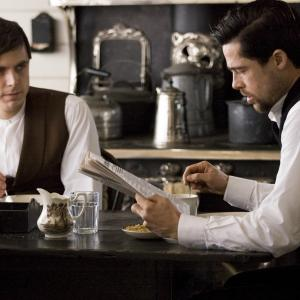 Still of Brad Pitt and Casey Affleck in The Assassination of Jesse James by the Coward Robert Ford (2007)