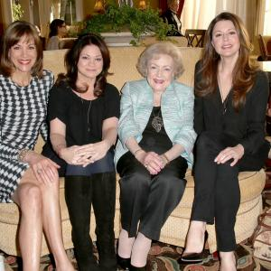 Valerie Bertinelli, Jane Leeves, Wendie Malick, Betty White