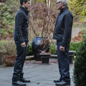 Victor Garber, Robbie Amell