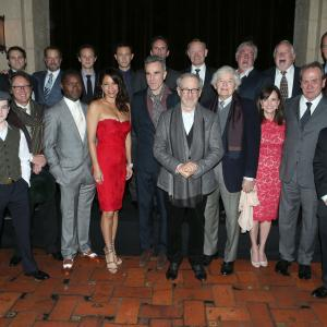 Tommy Lee Jones, Steven Spielberg, Daniel Day-Lewis, Sally Field, James Spader, Hal Holbrook, Gloria Reuben, David Costabile, Joseph Cross, Walton Goggins, Joseph Gordon-Levitt, Jared Harris, Grainger Hines, Dakin Matthews, Bruce McGill, Tim Blake Nelson, David Oyelowo, Michael Stuhlbarg, Gulliver McGrath
