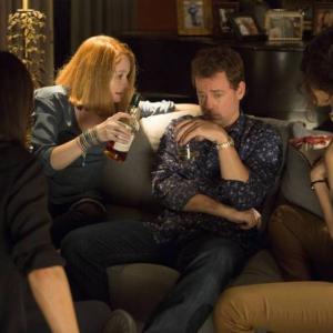 Still of Greg Kinnear, Miranda Otto, Pamela Adlon and Necar Zadegan in Rake (2014)