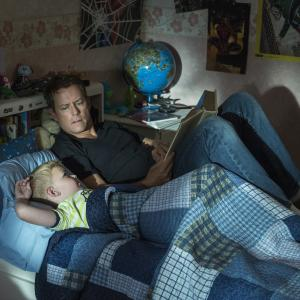 Still of Greg Kinnear and Connor Corum in Heaven Is for Real (2014)