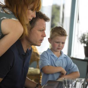 Still of Greg Kinnear, Kelly Reilly and Connor Corum in Heaven Is for Real (2014)