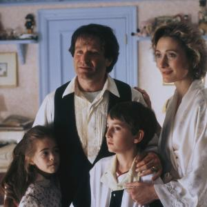 Robin Williams, Charlie Korsmo, Caroline Goodall, Amber Scott