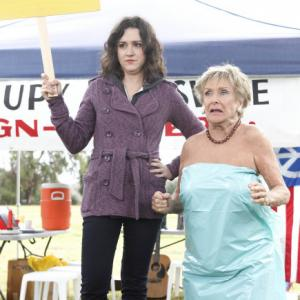 Still of Cloris Leachman and Shannon Woodward in Mazyle Houp (2010)