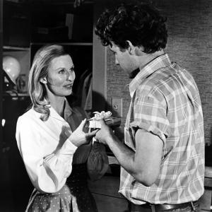 Still of Timothy Bottoms and Cloris Leachman in The Last Picture Show (1971)