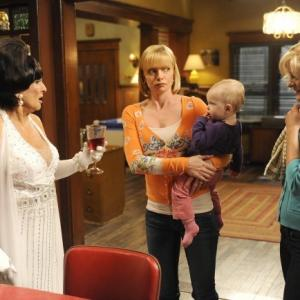 Still of Martha Plimpton, Cloris Leachman and Jaime Pressly in Mazyle Houp (2010)