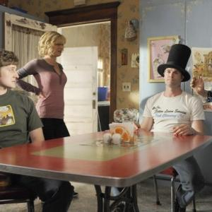 Still of Martha Plimpton, Cloris Leachman, Garret Dillahunt and Lucas Neff in Mazyle Houp (2010)