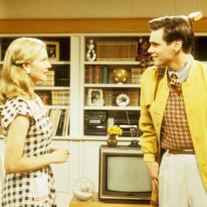 Still of Jim Carrey and Laura Linney in Trumeno sou 1998