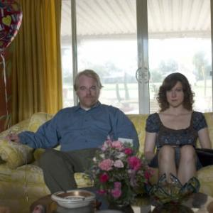 Still of Philip Seymour Hoffman and Laura Linney in The Savages 2007