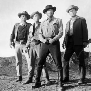 Still of John Wayne and Dean Martin in The Sons of Katie Elder (1965)