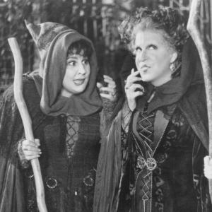Still of Bette Midler and Kathy Najimy in Hocus Pocus (1993)