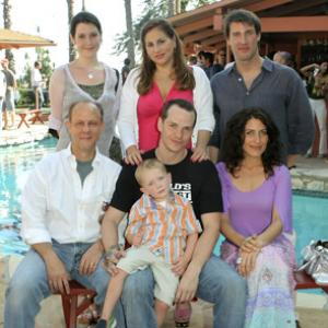 Melanie Lynskey, Kathy Najimy, Lisa Edelstein, Jim Ortlieb, Peter Paige and Christopher Racster at event of Say Uncle (2005)
