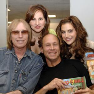 Kathy Najimy, Brittany Murphy, Mike Judge and Tom Petty at event of King of the Hill (1997)