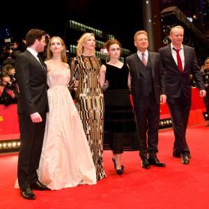 Kenneth Branagh, Helena Bonham Carter, Cate Blanchett, Stellan Skarsgård, Richard Madden and Lily James at event of Pelene (2015)