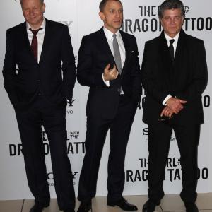 David Fincher, Stellan Skarsgård, Steven Zaillian and Daniel Craig at event of Mergina su drakono tatuiruote (2011)