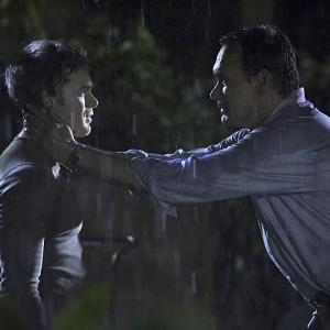 Still of Jimmy Smits and Michael C. Hall in Deksteris (2006)