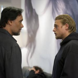 Still of Jimmy Smits and Charlie Hunnam in Sons of Anarchy (2008)