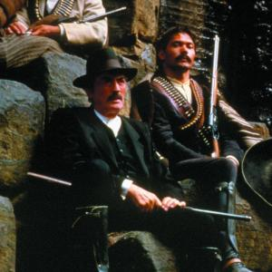 Still of Gregory Peck and Jimmy Smits in Old Gringo (1989)