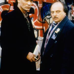 Still of Dennis Franz and Jimmy Smits in NYPD Blue (1993)