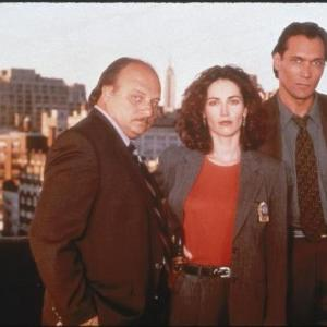 Still of Kim Delaney, Dennis Franz and Jimmy Smits in NYPD Blue (1993)