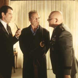 Still of Pierce Brosnan, Jack Nicholson and Rod Steiger in Mars Attacks! (1996)