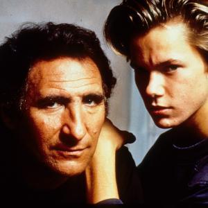 Still of River Phoenix and Judd Hirsch in Running on Empty (1988)