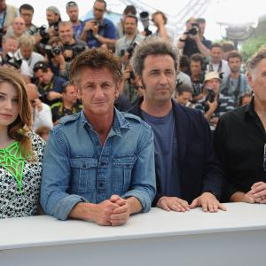 Sean Penn, Judd Hirsch, Paolo Sorrentino and Eve Hewson at event of This Must Be the Place (2011)
