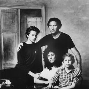 Still of River Phoenix, Christine Lahti, Judd Hirsch and Jonas Abry in Running on Empty (1988)