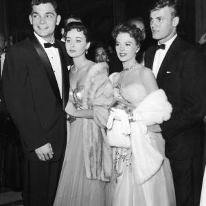 Natalie Wood, Tab Hunter, Marla English, Larry Pennell