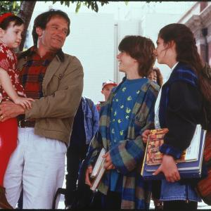 Robin Williams, Lisa Jakub, Matthew Lawrence, Mara Wilson