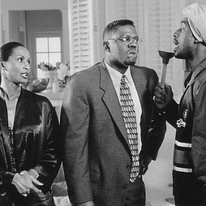 Still of Bill Bellamy, Bernie Mac and Beverly Johnson in How to Be a Player (1997)