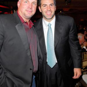 Garth Brooks, Kurt Warner