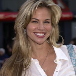 Brooke Burns at event of Kangaroo Jack (2003)